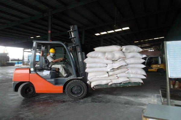 Nông dân mừng vì thức ăn chăn nuôi không chịu thuế VAT