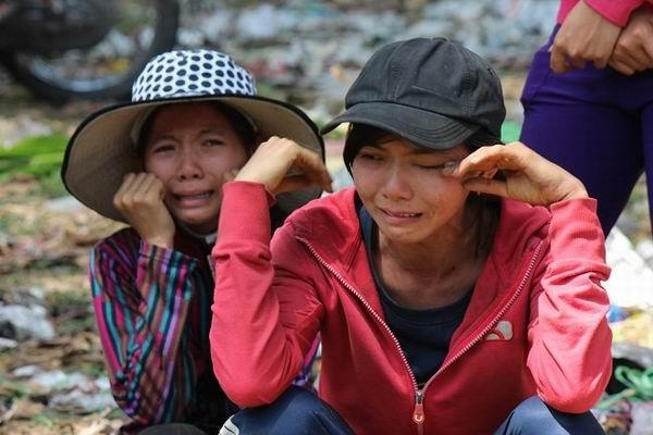 Người trồng hoa, bán hoa khóc ròng vì hoa tết ế