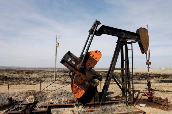 Năm 2018, thị trường dầu sẽ cân bằng dù sản lượng tăng