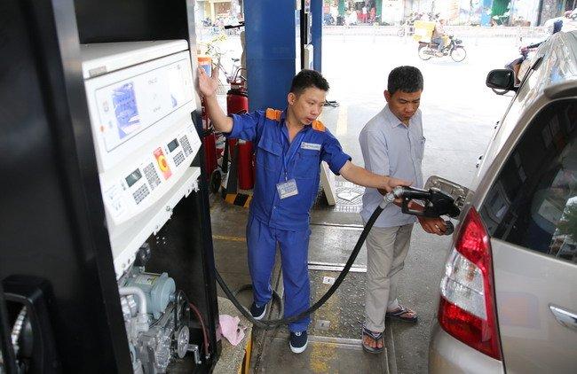 Nhập khẩu xăng dầu từ Hàn Quốc 9 tháng vượt cả năm 2016