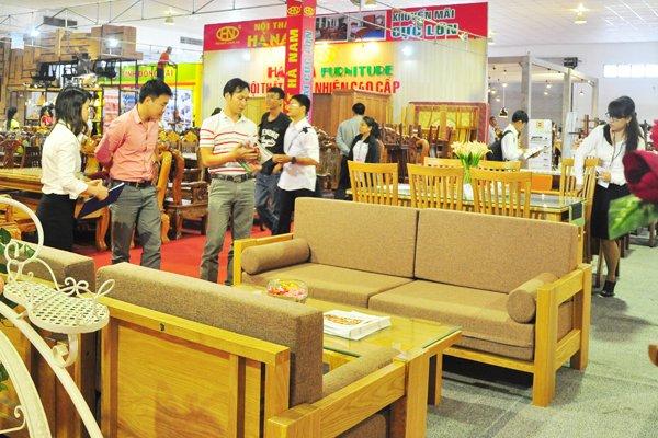 Các doanh nghiệp sản xuất đồ dùng gỗ, vừa có thể hưởng lợi, vừa chịu tác động tiêu cực của chiến tranh thương mại Mỹ - Trung. Ảnh minh họa: Minh Tâm